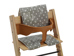 Messy Me's Cushions for Wooden High Chairs win Bizzie Baby Gold Award